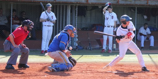 Jose Morales (San Inazio-Beisbol Navarra 13.04.13)