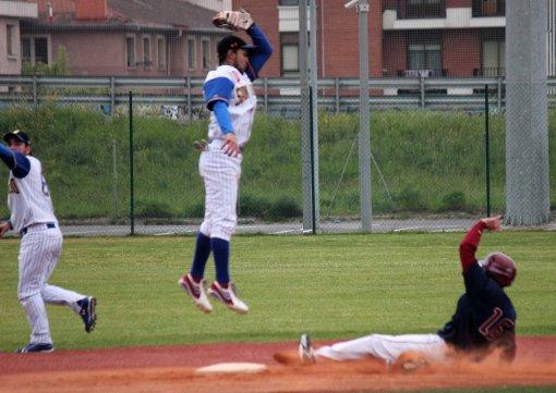 Aitor Rubio-Freddy Noguera Beisbol Navarra-San Inazio 12.04.14 DH